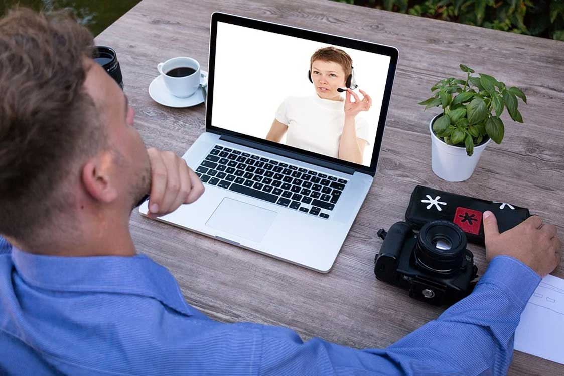 Zoom Vs The World 4 Videoconference Alternatives - Zoom Vs. The World - 4 Videoconference Alternatives